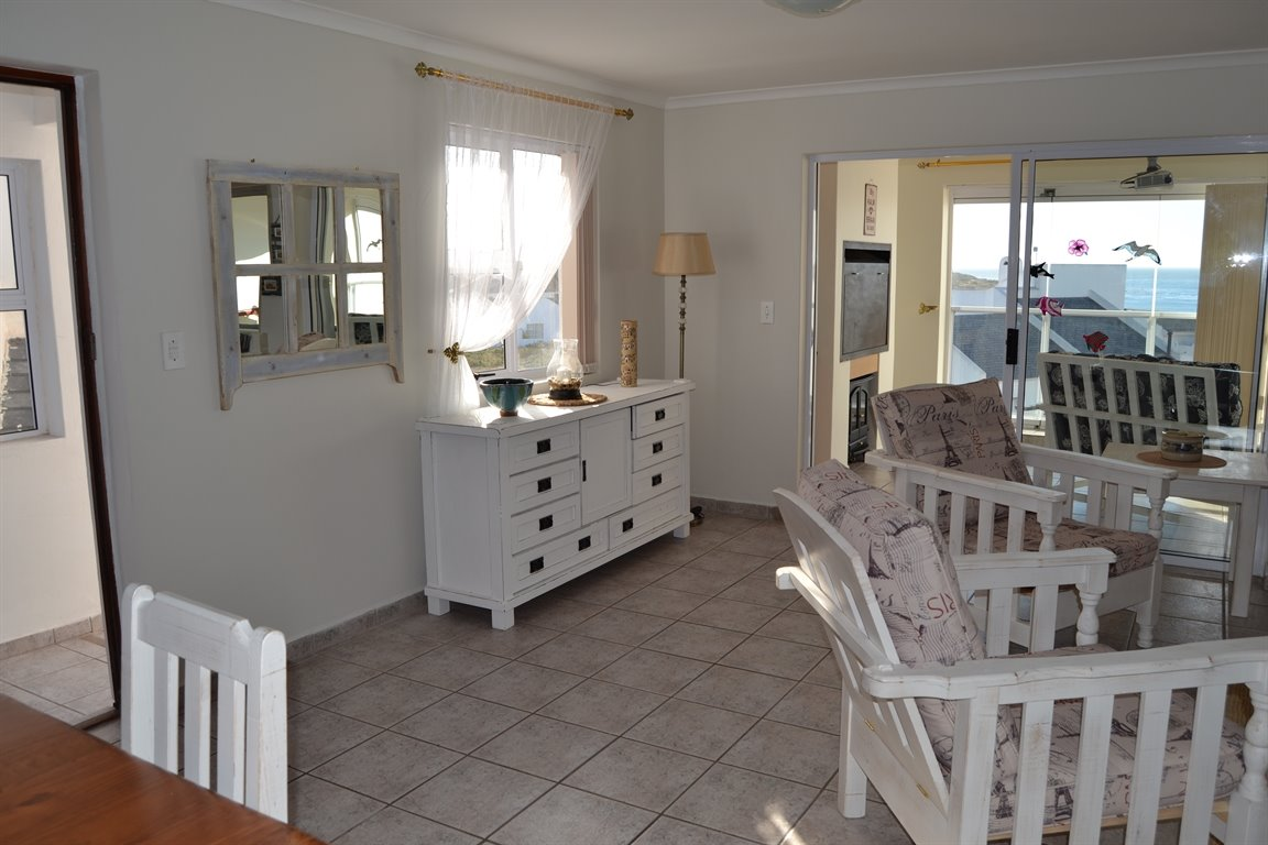 Shelley Point property for sale. Ref No: 12791391. Picture no 35