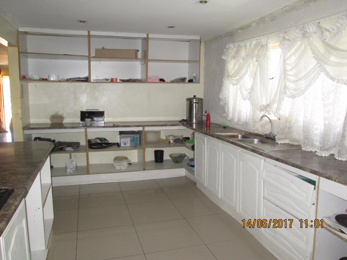 Mondeor property for sale. Ref No: 13526240. Picture no 2