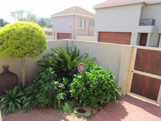 Property and Houses for sale in Rietvalleirand, House, 3 Bedrooms - ZAR 1,895,000
