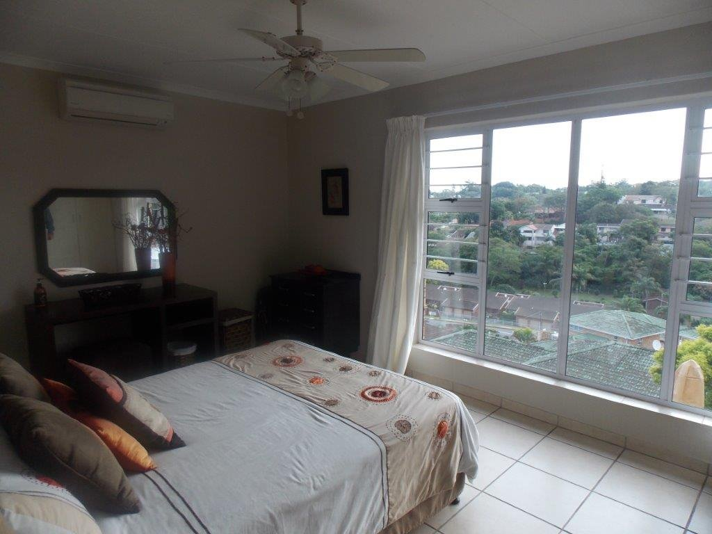 Amanzimtoti property for sale. Ref No: 13372994. Picture no 41