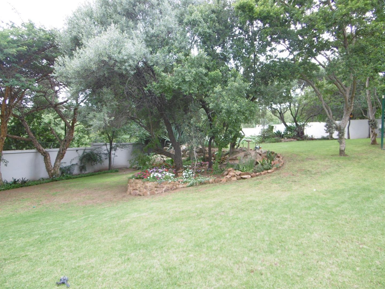 Bryanston property for sale. Ref No: 13443961. Picture no 20