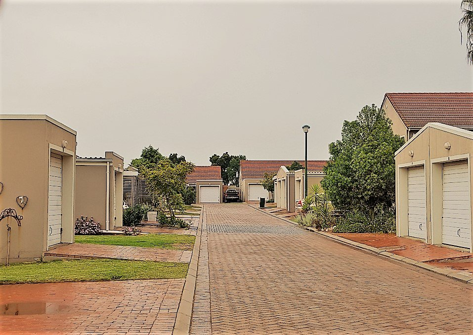 Property and Houses for sale in Paarl Central - Page 4, Townhouse, 2 Bedrooms - ZAR 1,250,000
