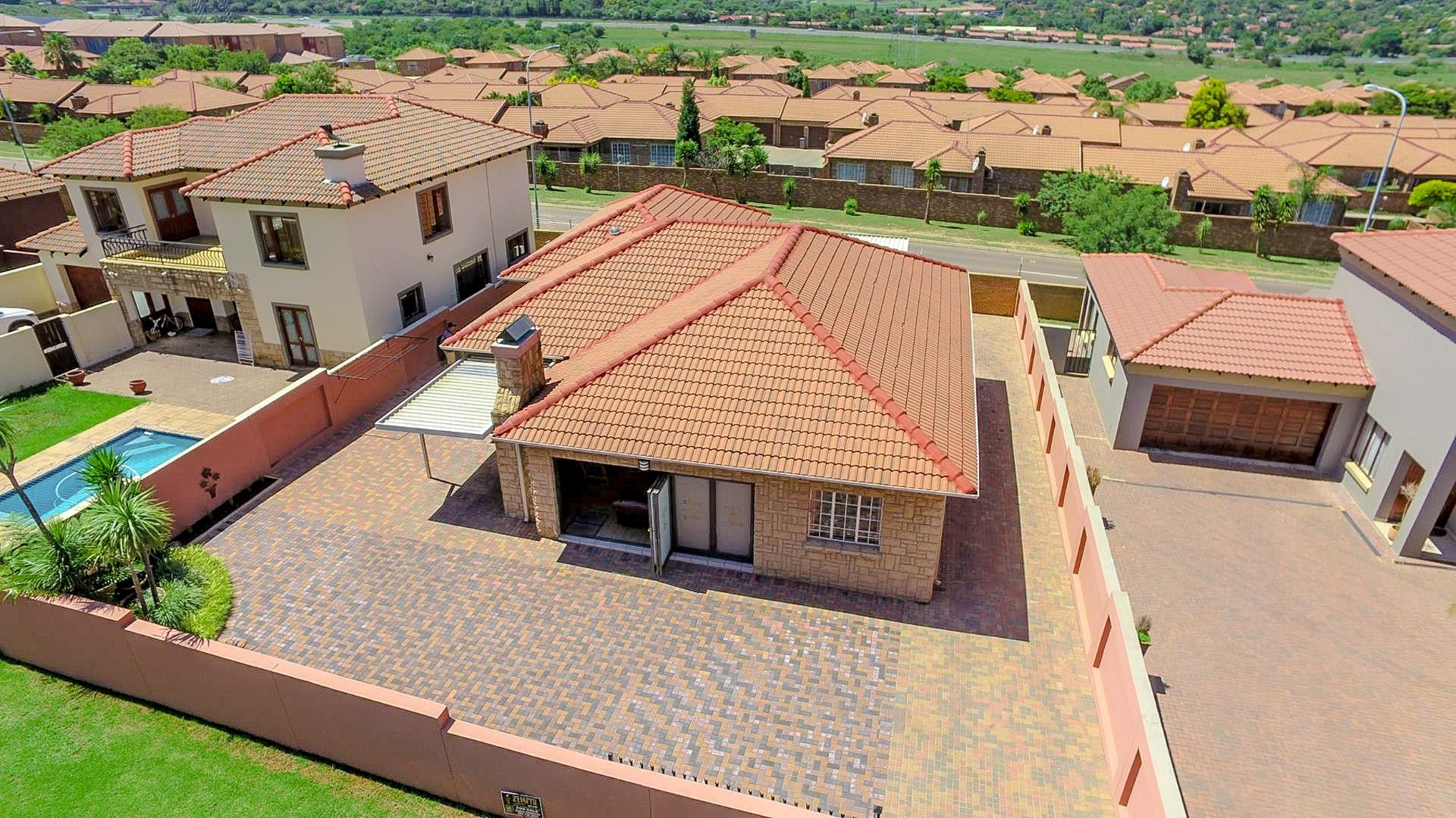 Property and Houses for sale in Amberfield Ridge, House, 3 Bedrooms - ZAR 1,995,000