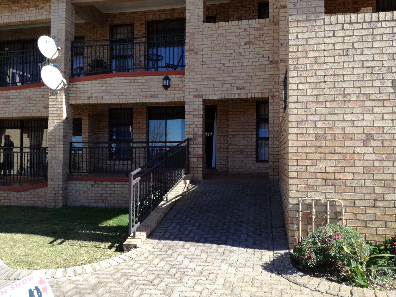 Krugersdorp, Krugersdorp West & Ext Property  | Houses For Sale Krugersdorp West & Ext, Krugersdorp West & Ext, Apartment 2 bedrooms property for sale Price:730,000