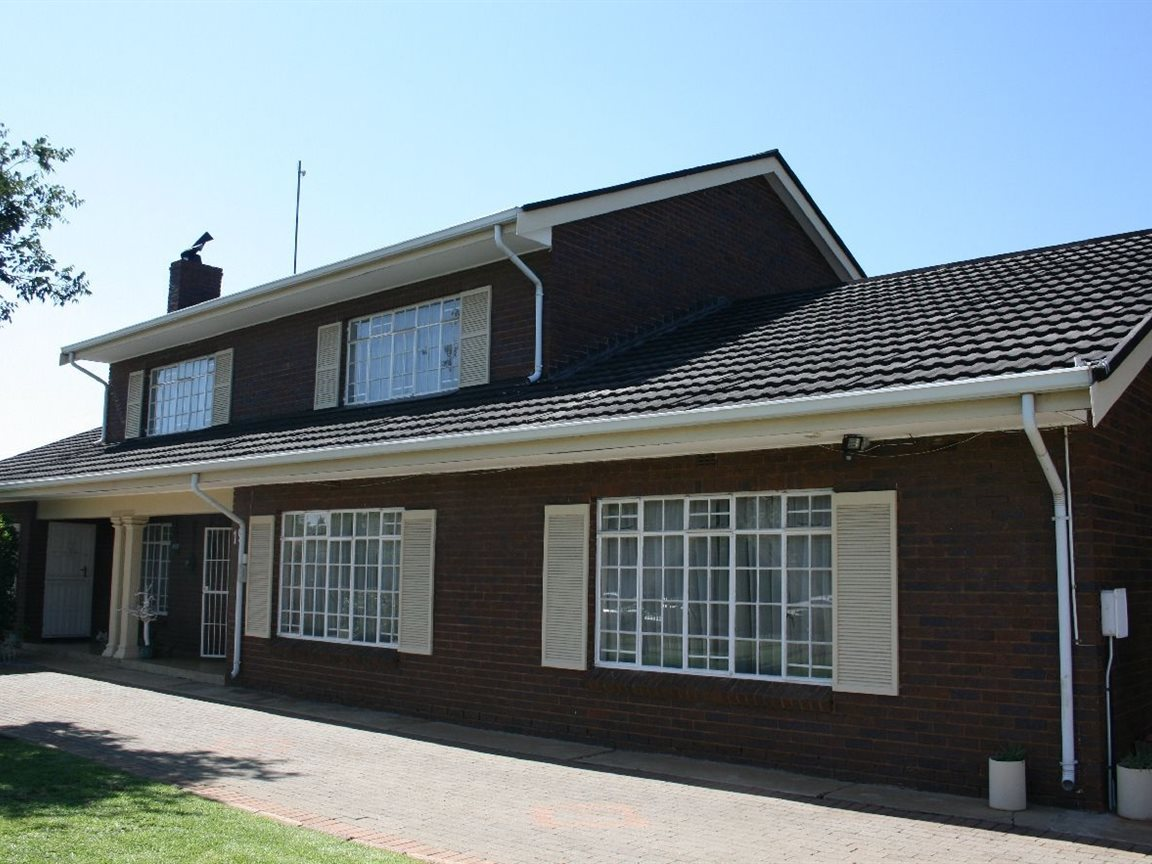 Randfontein, Helikonpark Property  | Houses For Sale Helikonpark, Helikonpark, House 4 bedrooms property for sale Price:1,080,000