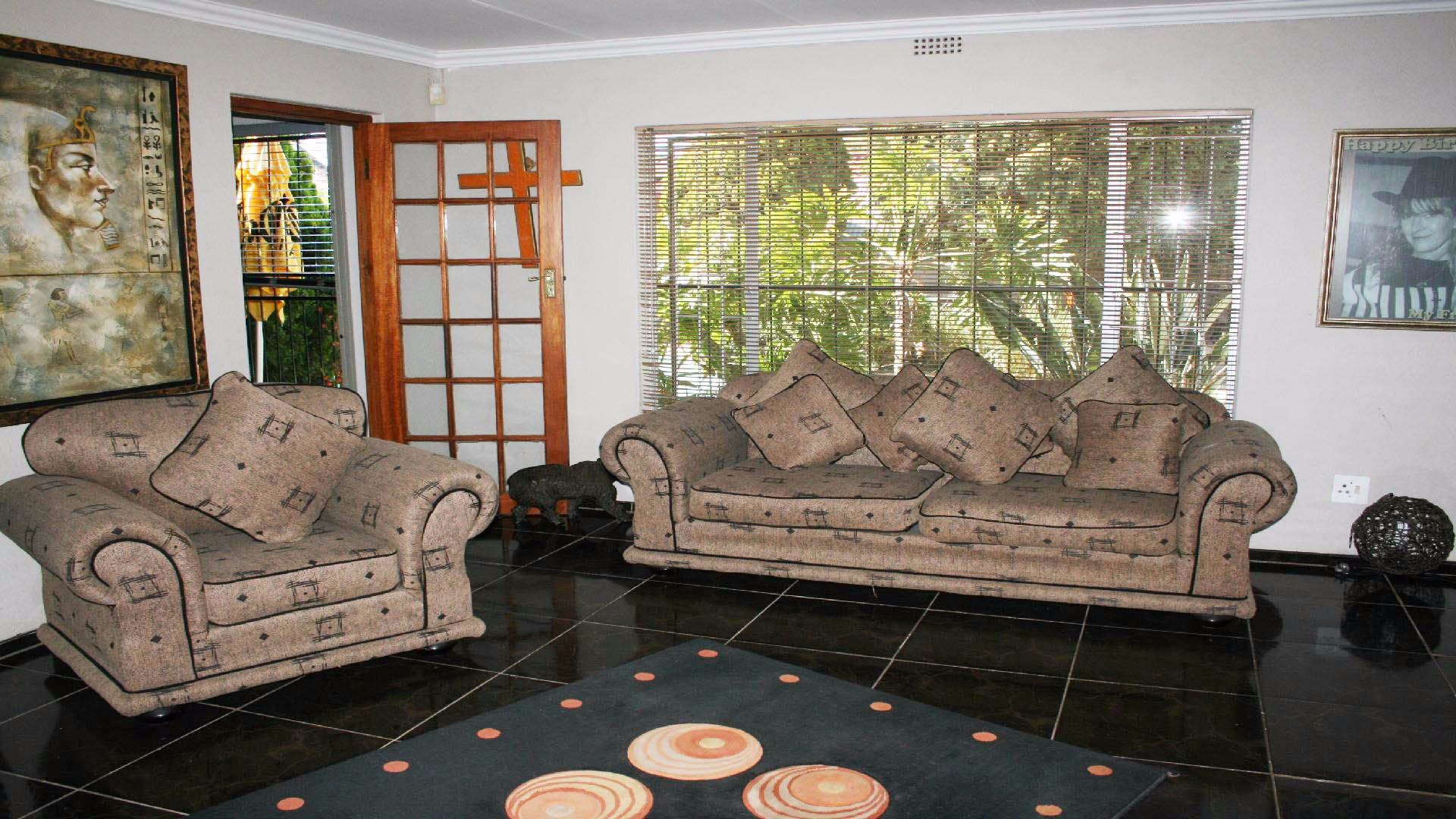 Greenhills property for sale. Ref No: 13553315. Picture no 4