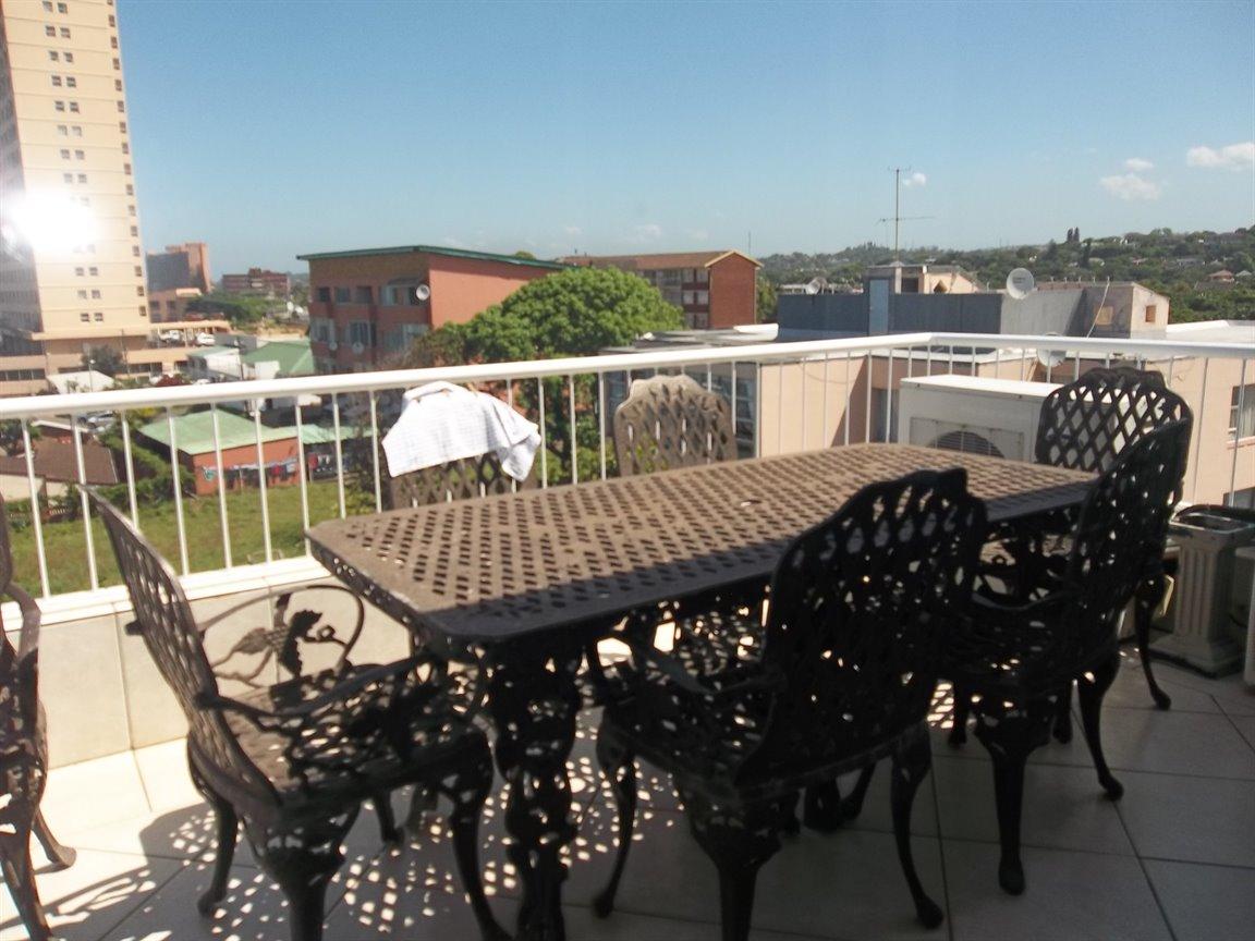 Amanzimtoti property for sale. Ref No: 13400263. Picture no 28