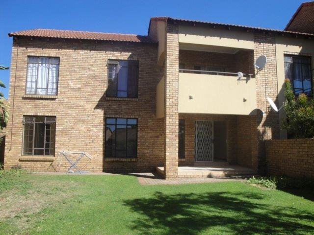 Centurion, Eco Park Estate Property  | Houses To Rent Eco Park Estate, Eco Park Estate, Apartment 3 bedrooms property to rent Price:,  9,00*