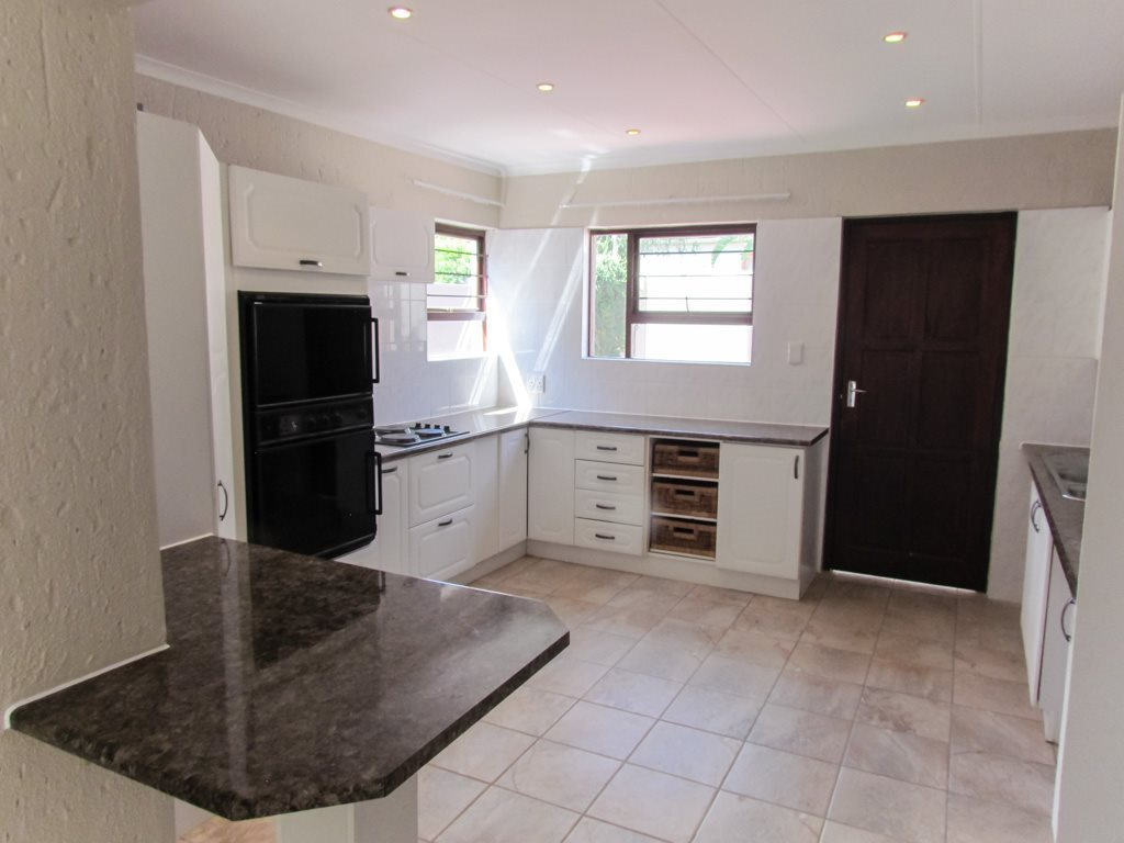 Lonehill property to rent. Ref No: 13553038. Picture no 2