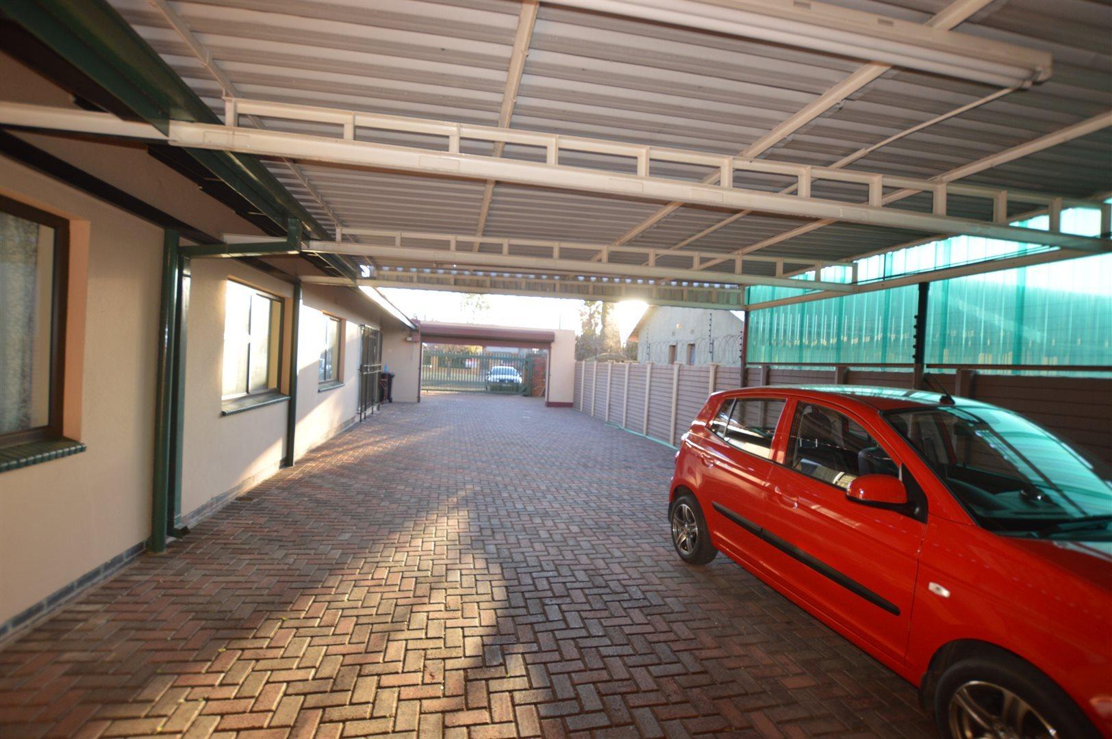 Vanderbijlpark Se6 property for sale. Ref No: 13523020. Picture no 19