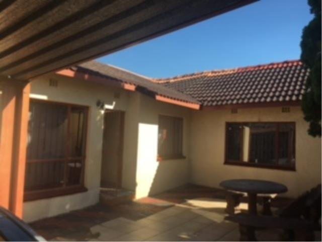 Soweto, Diepkloof Property  | Houses For Sale Diepkloof, Diepkloof, House 4 bedrooms property for sale Price:850,000