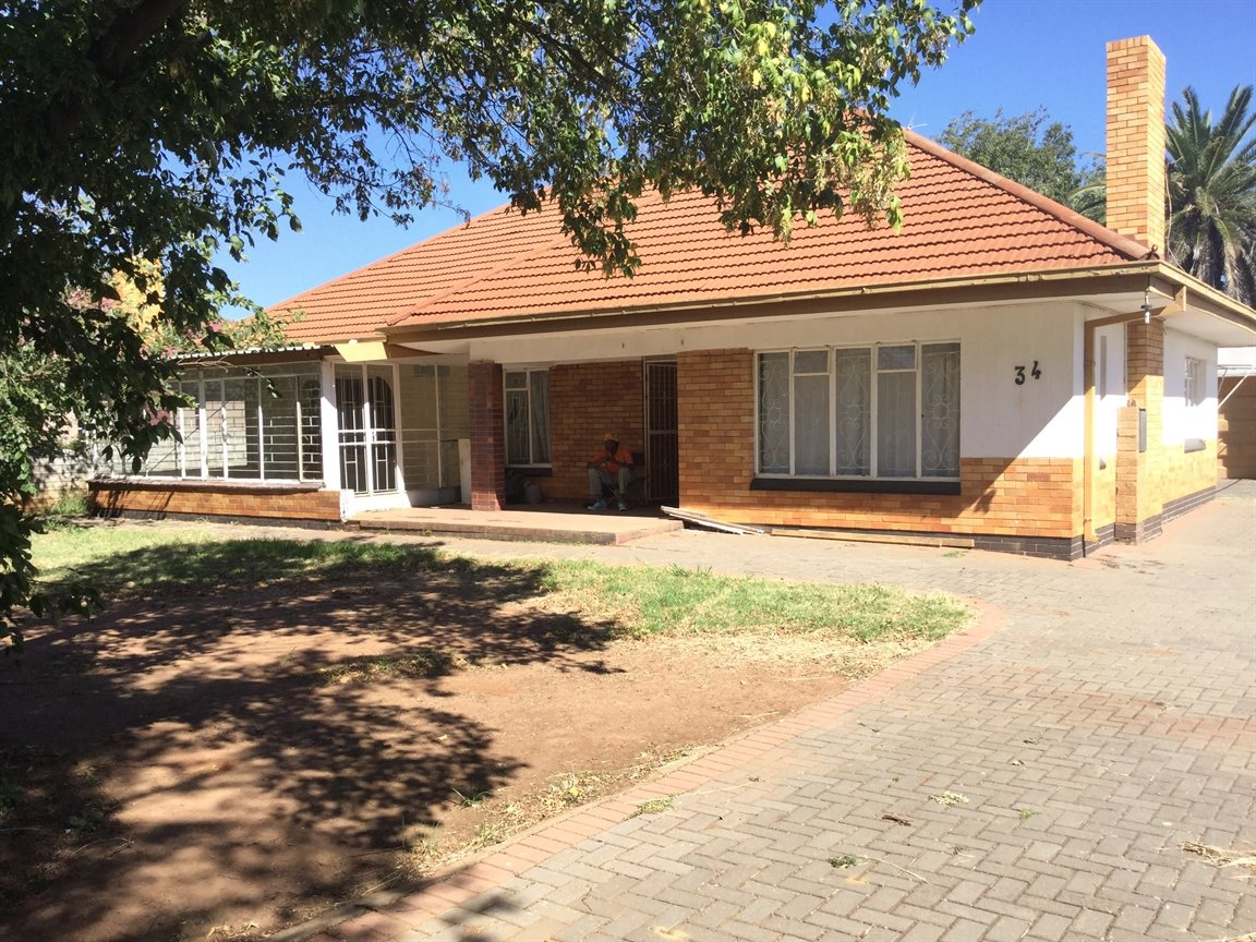 Three Rivers property for sale. Ref No: 13317165. Picture no 1