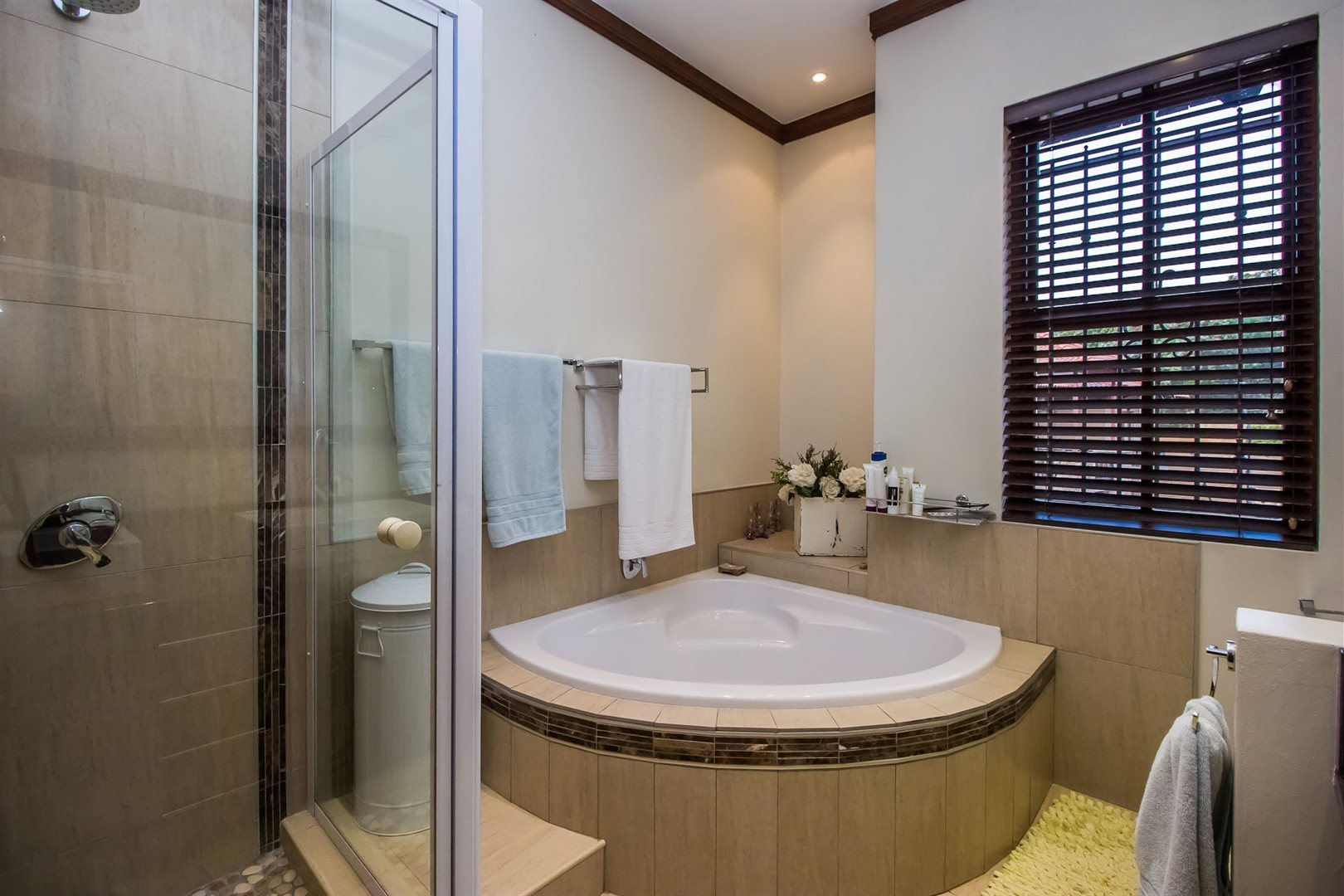 Waterkloof Ridge property for sale. Ref No: 13535230. Picture no 24