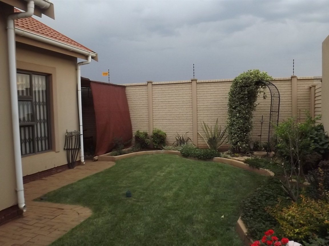 Vanderbijlpark property for sale. Ref No: 12781896. Picture no 21