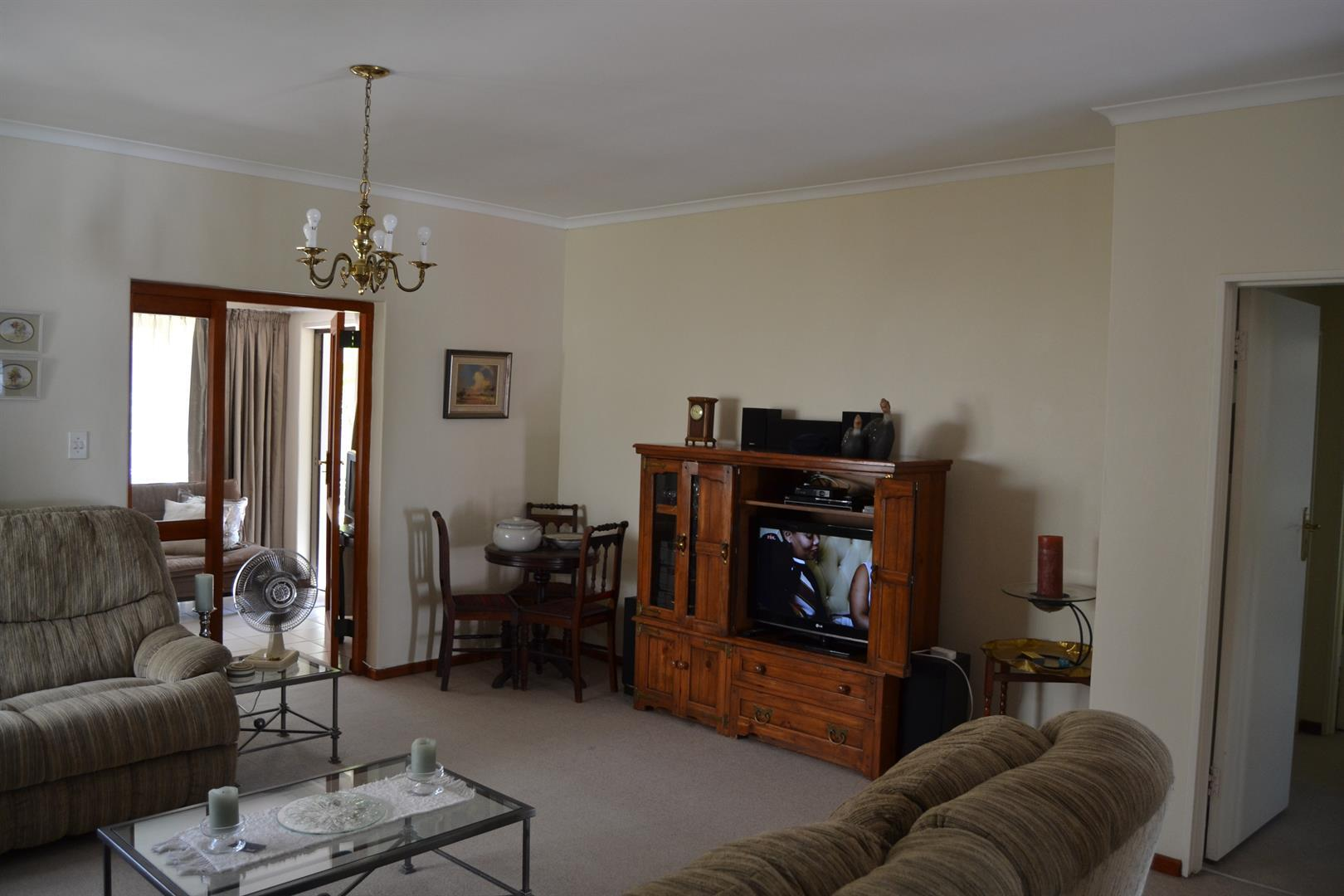 Paarl South property for sale. Ref No: 13436706. Picture no 7