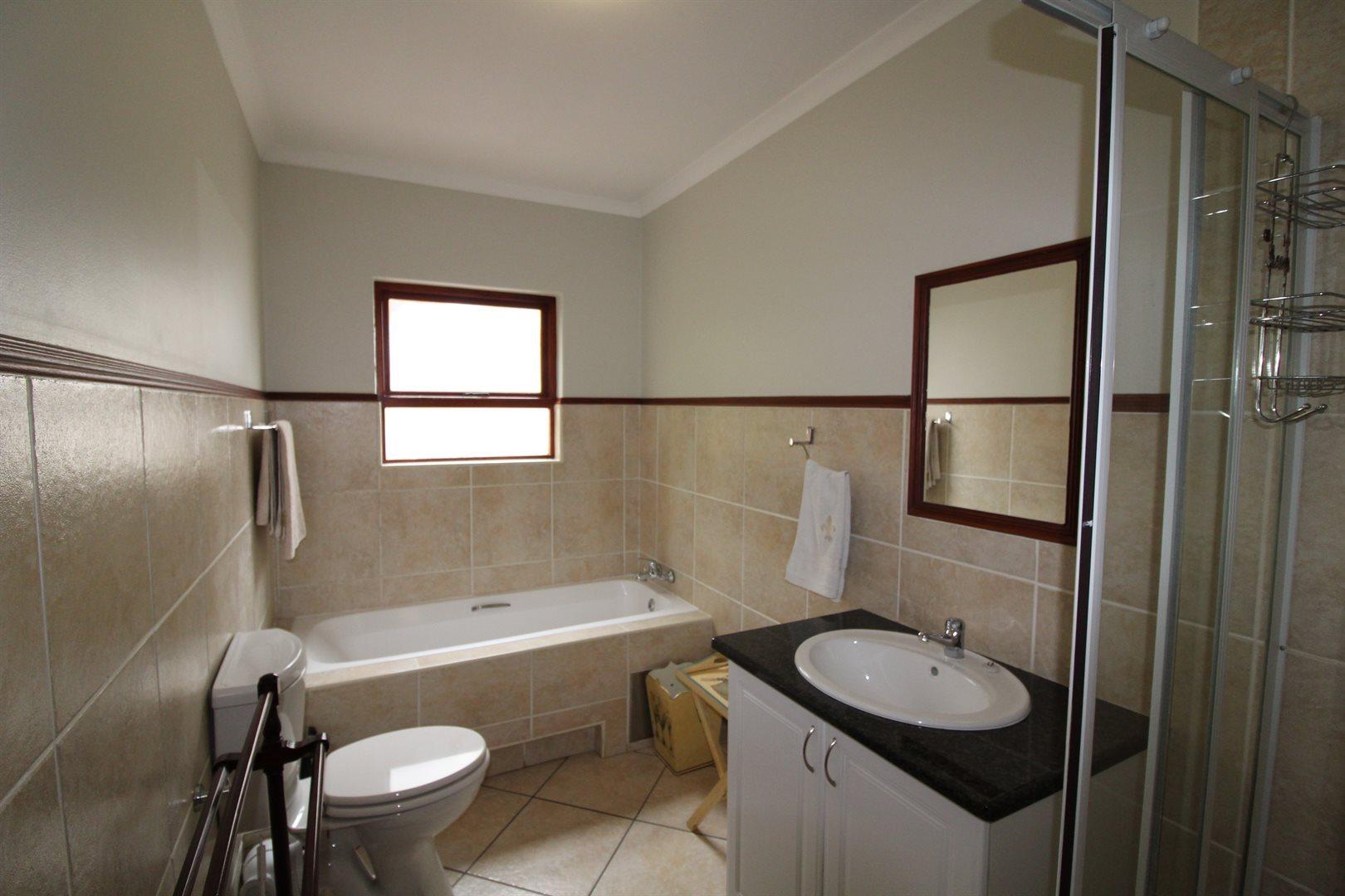 Bryanston property for sale. Ref No: 13551237. Picture no 22