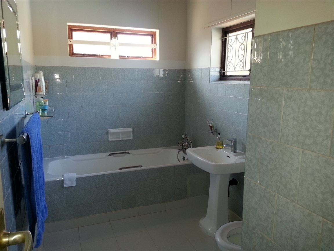 Umkomaas property for sale. Ref No: 12798074. Picture no 10