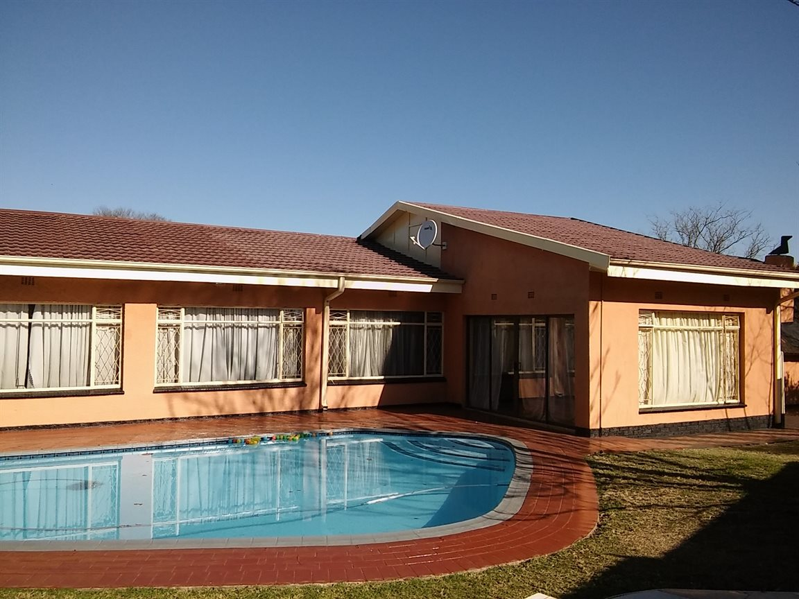 Vanderbijlpark Sw 5 property for sale. Ref No: 13530752. Picture no 2