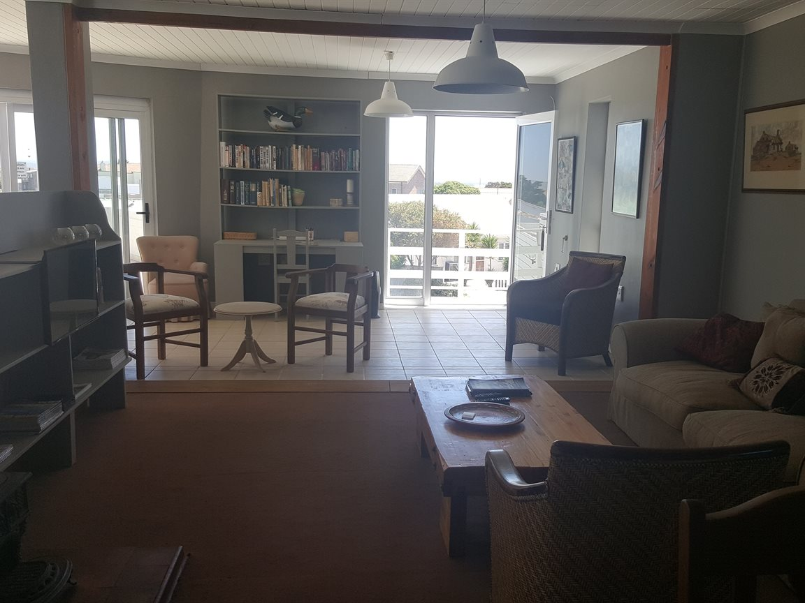 Yzerfontein property for sale. Ref No: 13425267. Picture no 10