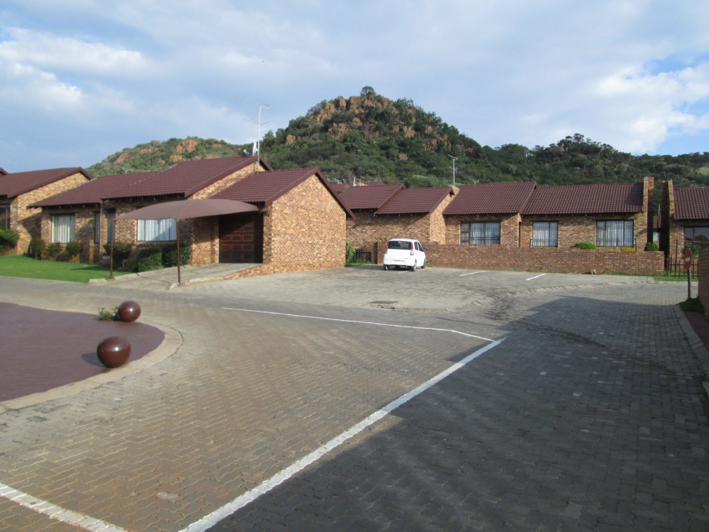 Johannesburg, Meredale Property  | Houses For Sale Meredale, Meredale, Townhouse 3 bedrooms property for sale Price:950,000