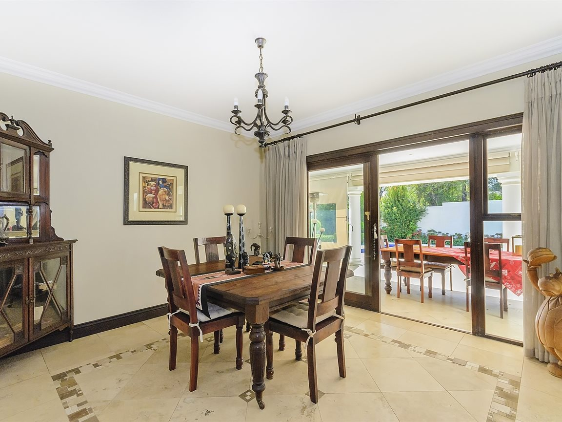 Bryanston property for sale. Ref No: 13379758. Picture no 6