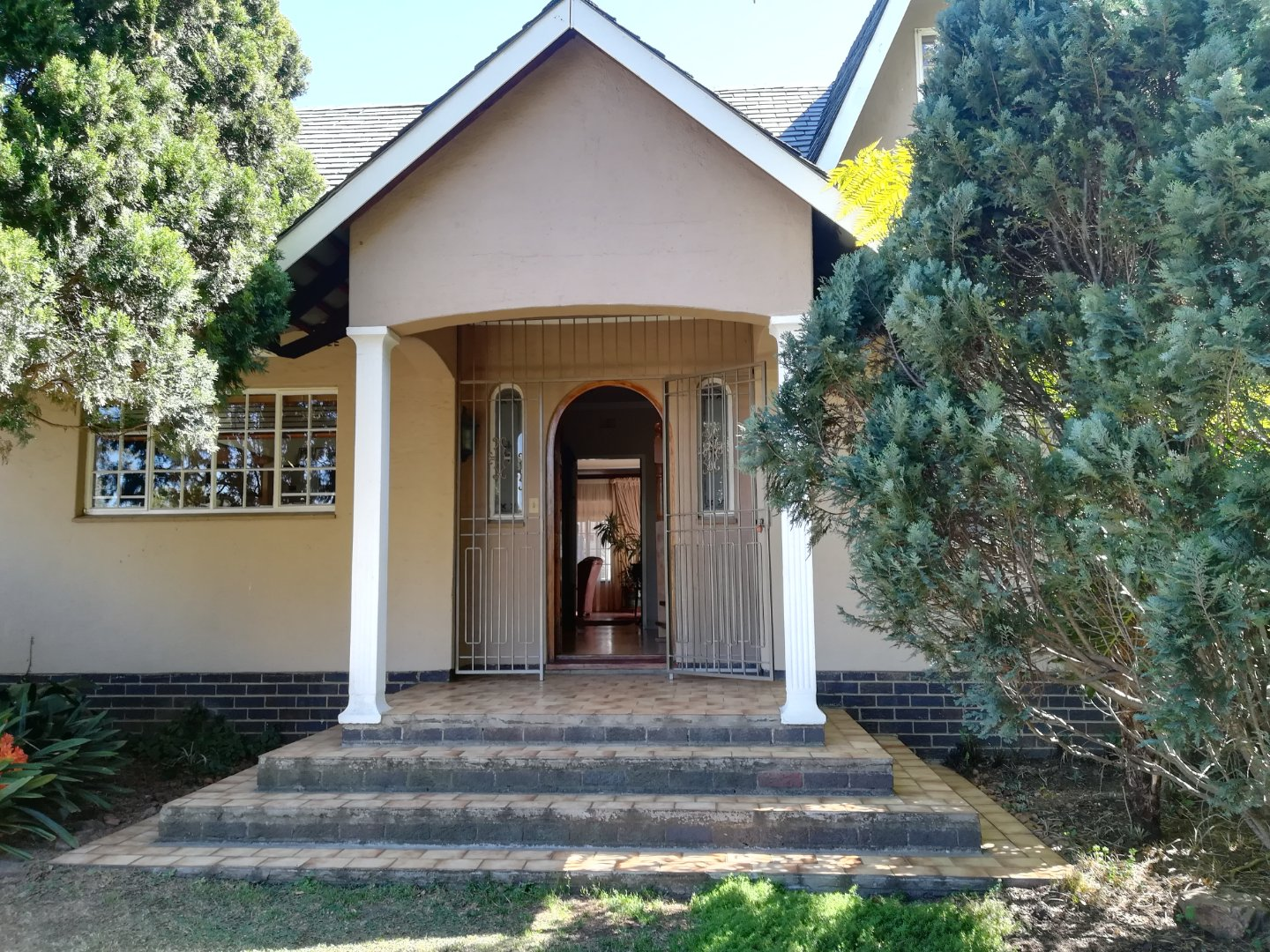 Property and Houses for sale in Randhart, House, 6 Bedrooms - ZAR 2,750,000