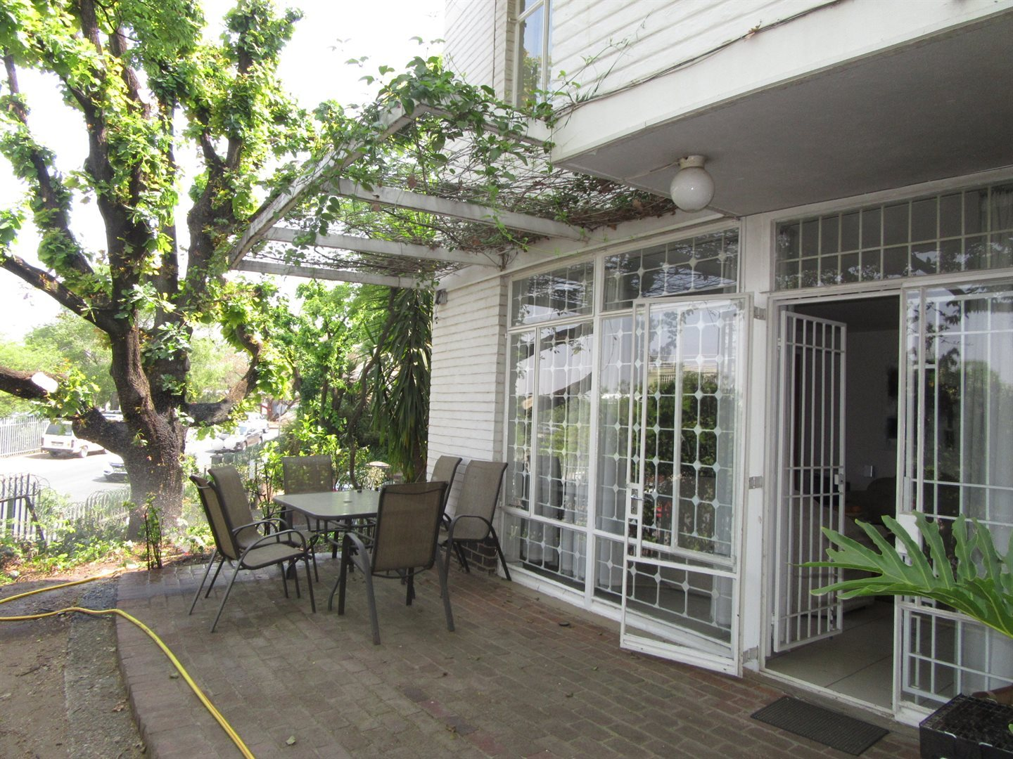 Bryanston East property for sale. Ref No: 13533607. Picture no 4