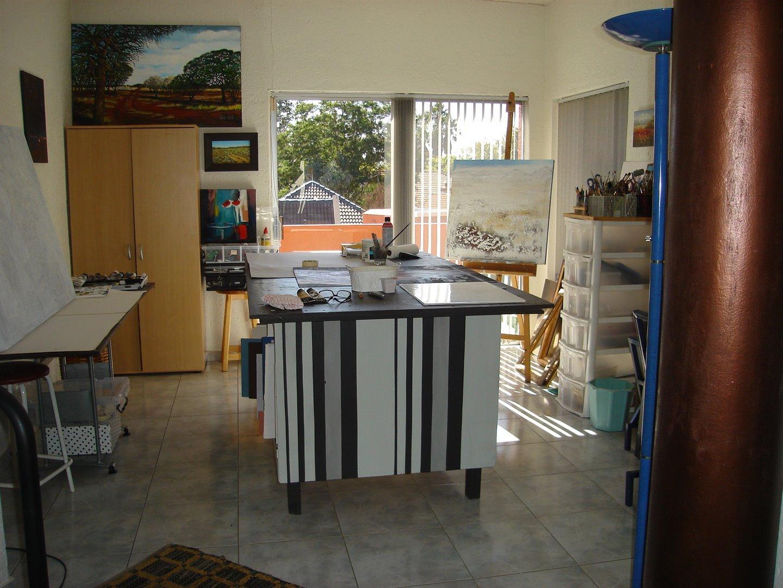 Eldoraigne property for sale. Ref No: 13494397. Picture no 17