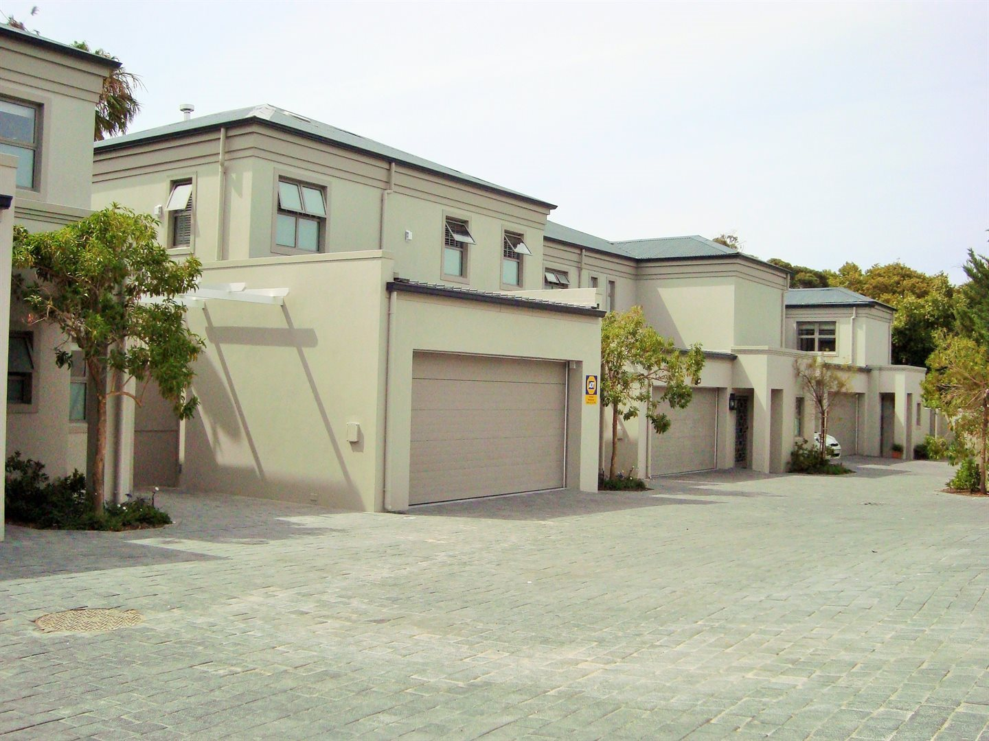 Claremont property to rent. Ref No: 13575482. Picture no 1