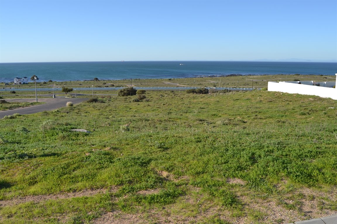 Da Gama Bay property for sale. Ref No: 12787931. Picture no 14