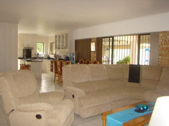 Pennington property for sale. Ref No: 13258911. Picture no 2