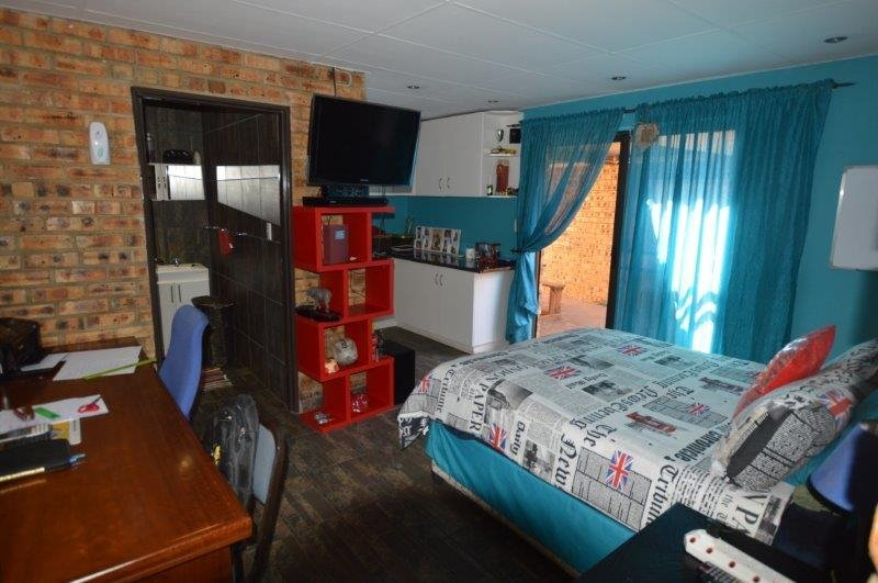 Vanderbijlpark Se8 property for sale. Ref No: 13508216. Picture no 15