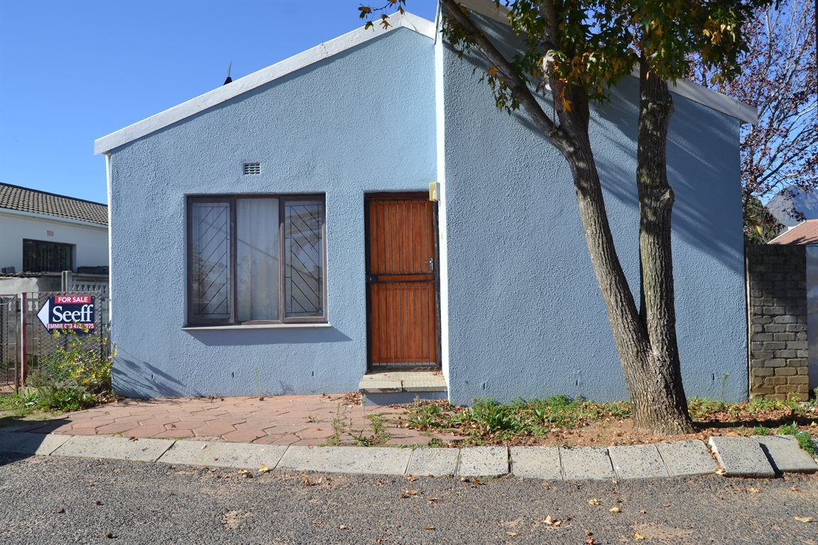 Paarl, Paarl East Property  | Houses For Sale Paarl East, Paarl East, House 3 bedrooms property for sale Price:780,000