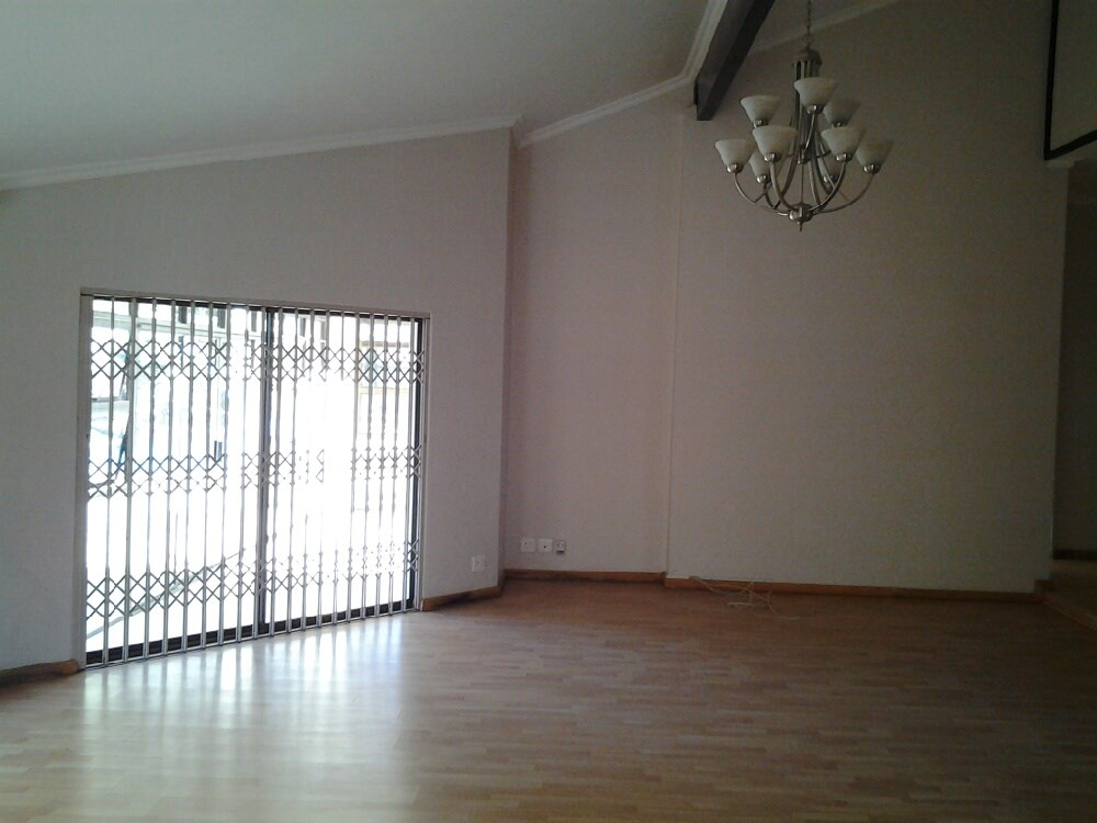 Three Rivers Proper property for sale. Ref No: 12737944. Picture no 8