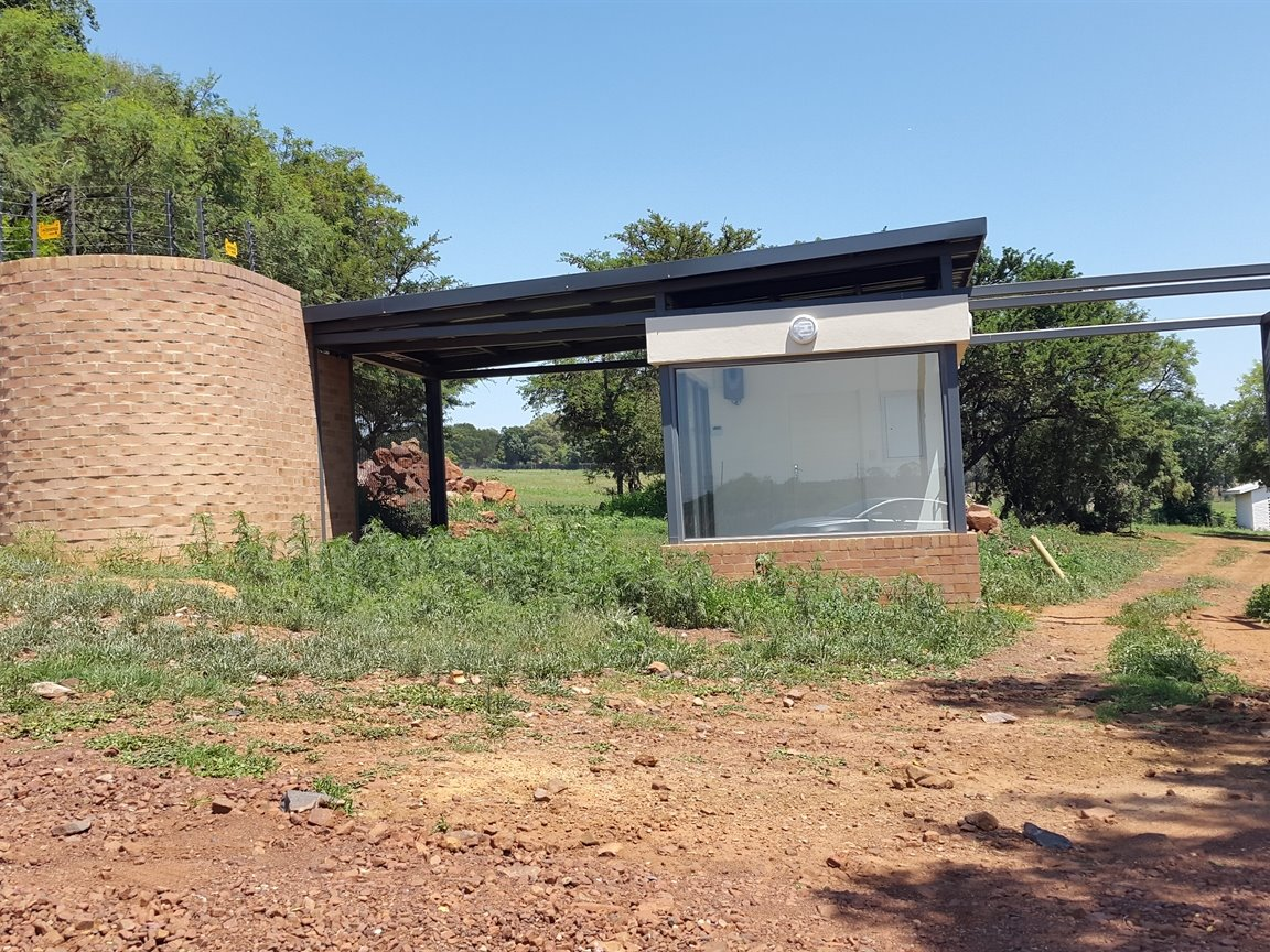 Doornkloof property for sale. Ref No: 13283502. Picture no 32