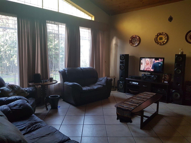 Risiville property for sale. Ref No: 13466641. Picture no 9