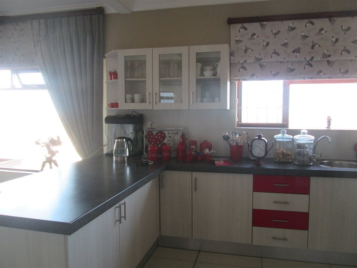 Vredenburg Central property for sale. Ref No: 13424171. Picture no 10