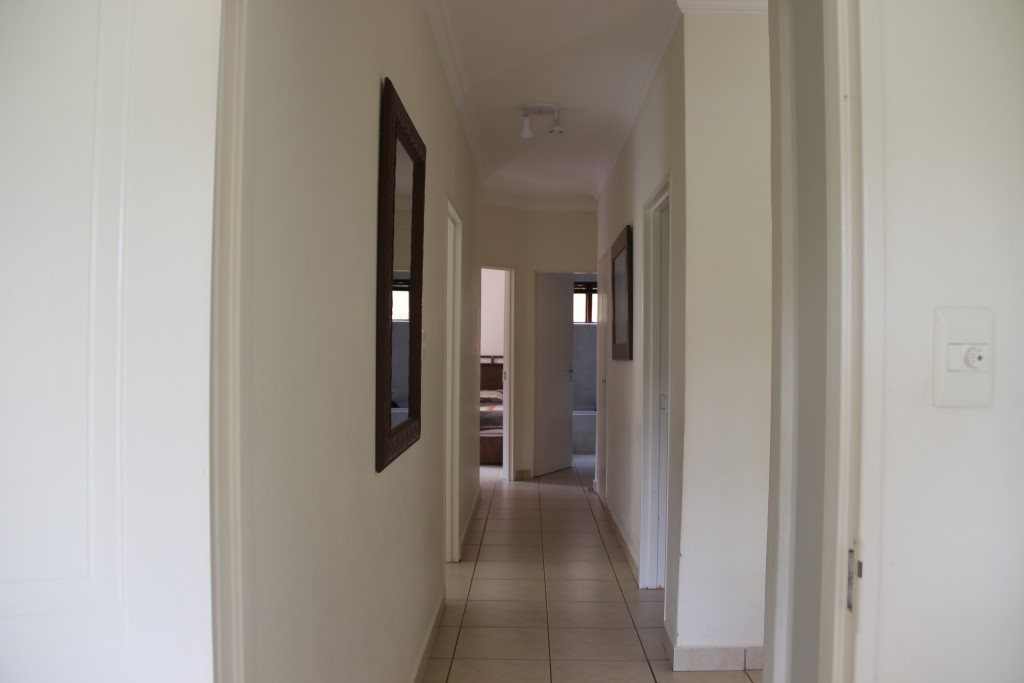Uvongo property for sale. Ref No: 13328447. Picture no 14