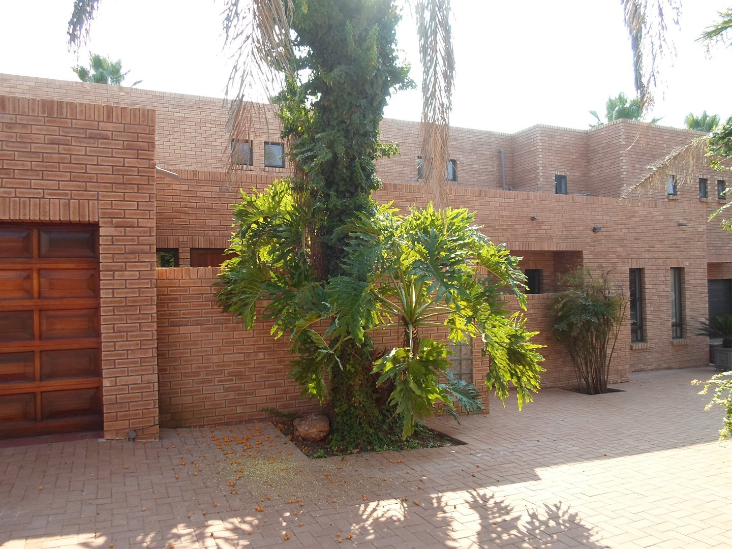 Property and Houses to rent in Centurion Golf Estate, House, 5 Bedrooms - ZAR , 28,00*,M