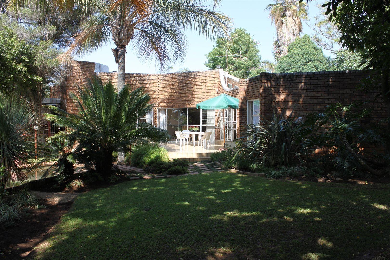 Waterkloof Ridge property to rent. Ref No: 13539553. Picture no 32