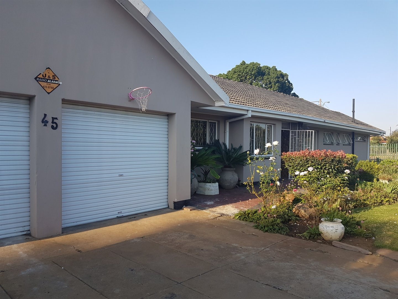Risiville property for sale. Ref No: 13466641. Picture no 1