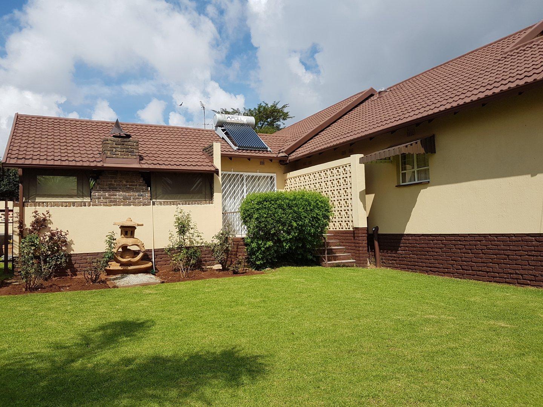 Krugersdorp, Rant En Dal Property  | Houses For Sale Rant En Dal, Rant En Dal, House 4 bedrooms property for sale Price:1,500,000