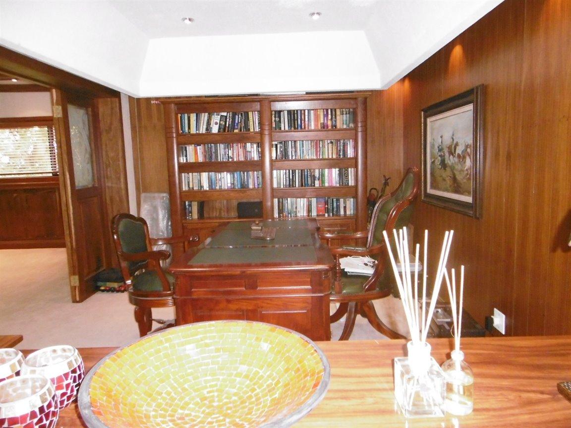 Bryanston property for sale. Ref No: 13389969. Picture no 18