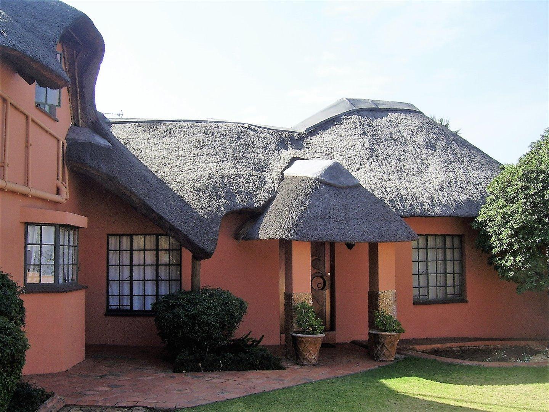 Johannesburg, Glenvista Property  | Houses For Sale Glenvista - Page 4, Glenvista, House 4 bedrooms property for sale Price:1,399,000