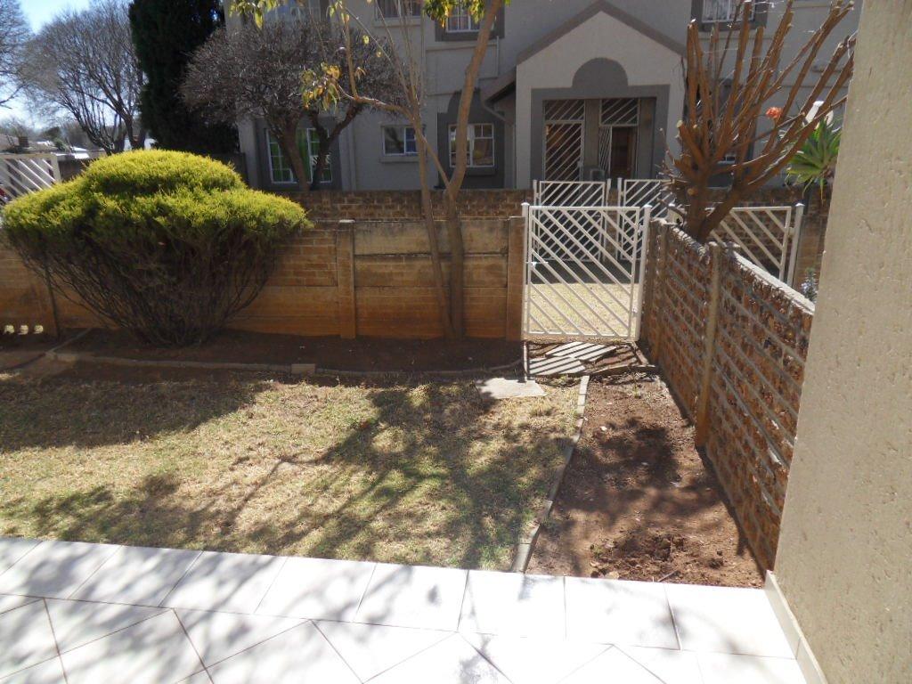 Johannesburg, Rewlatch Property    Houses For Sale Rewlatch, Rewlatch, Townhouse 2 bedrooms property for sale Price:565,000