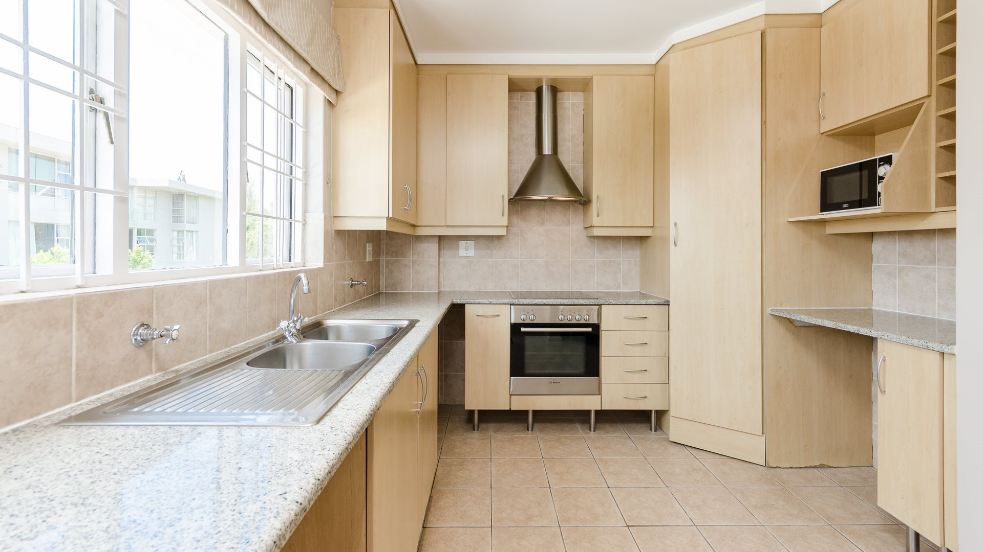 Morningside property for sale. Ref No: 13561793. Picture no 4