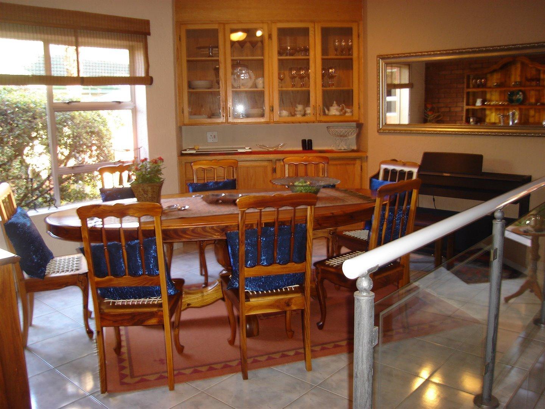 Eldoraigne property for sale. Ref No: 13494397. Picture no 7