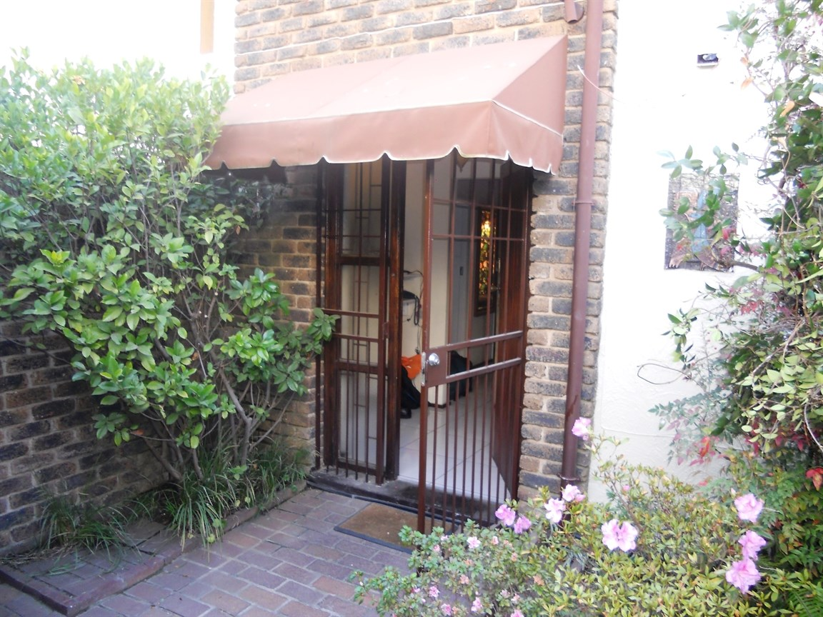 Bryanston property to rent. Ref No: 13526021. Picture no 4