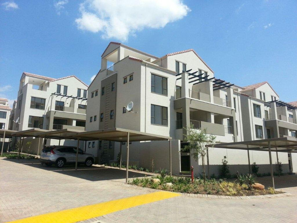 Bryanston property to rent. Ref No: 13560769. Picture no 1