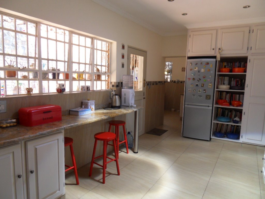 Glenvista property for sale. Ref No: 13402362. Picture no 13